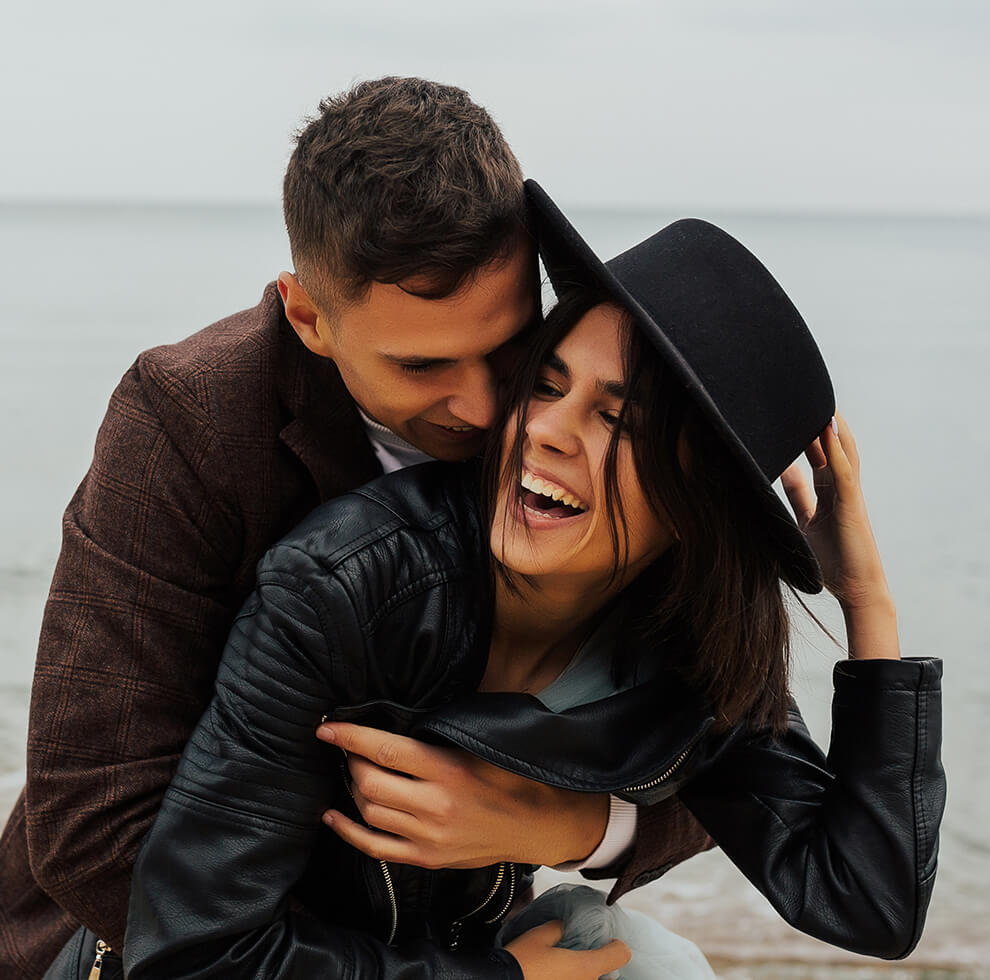http://avala.bold-themes.com/autumn/wp-content/uploads/sites/2/2020/12/image_couples_about_02.jpg