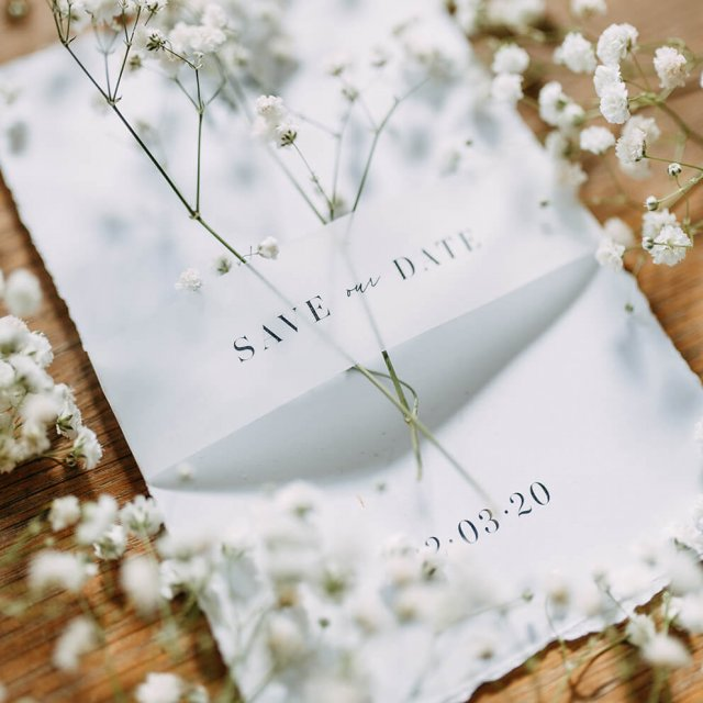 http://avala.bold-themes.com/spring/wp-content/uploads/sites/3/2020/11/wedding_style_square_03-640x640.jpg